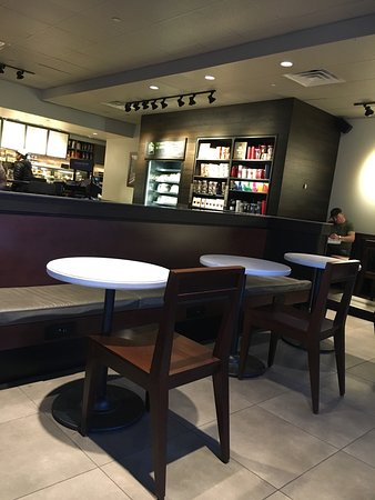 Paramus, NJ: Starbucks