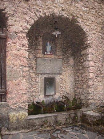 Vergemoli, Italy: L'Eremo, dettaglio