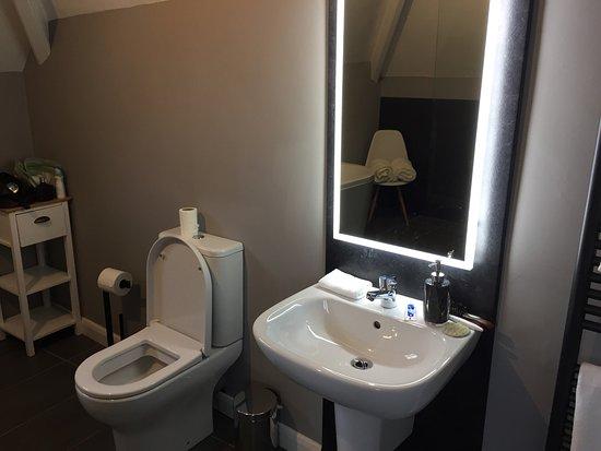 Quay road toilets