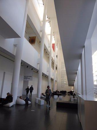 Hall d\'entrée - Picture of MACBA Museu d\'Art Contemporani de ...