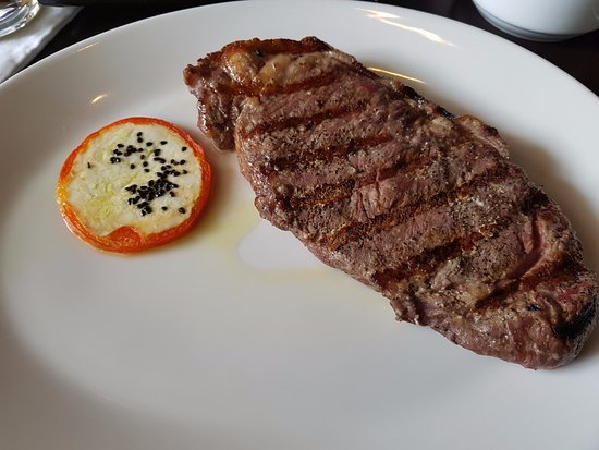 Harry's Prime Steakhouse & Raw Bar: aged beef