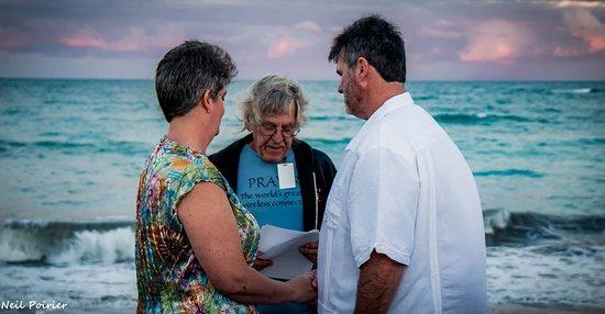 Royal Inn Beach Hutchinson Island: photo0.jpg