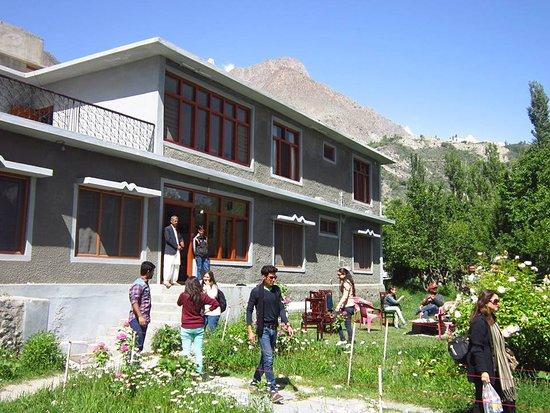 Gulmit Tourist Inn