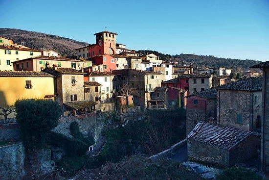 Loro Ciuffenna, Italia: Paesaggio .