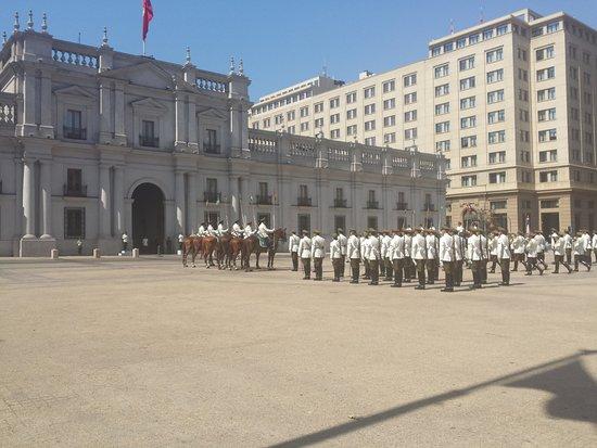 Santiago, Chile: troca da guarda