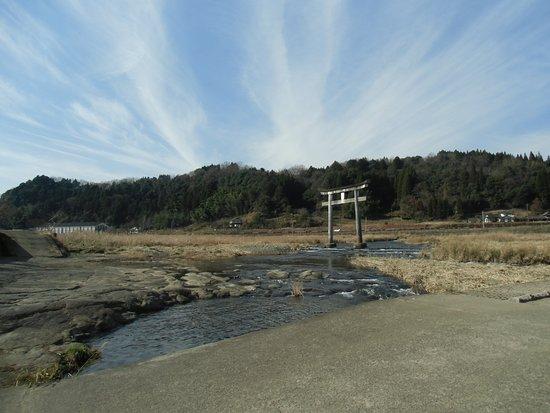 Bungoono, Japan: 滝の上流