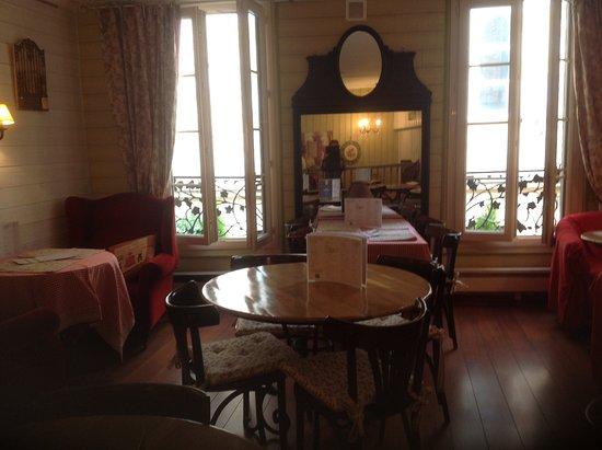 restaurant victoria salon de th dans bergerac avec cuisine fran aise. Black Bedroom Furniture Sets. Home Design Ideas