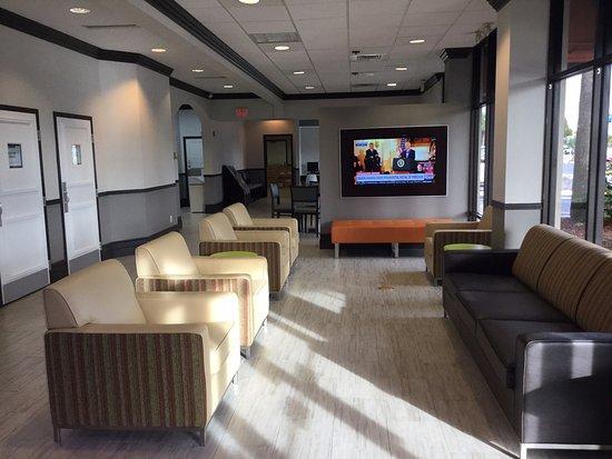 Days Inn & Suites Orlando Airport: Lobby area