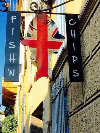 Valbonne, Prancis: Une superbe enseigne!!