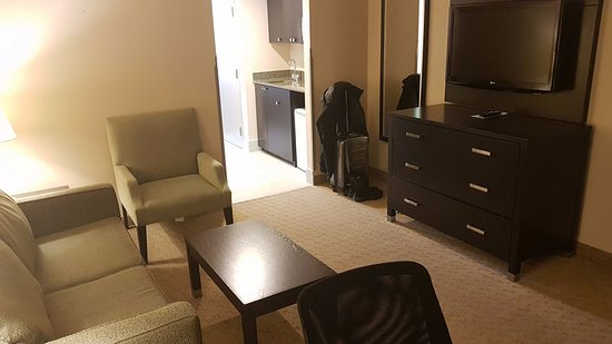 Holiday Inn Express & Suites Ottawa West - Nepean Photo