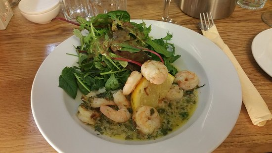 Porthleven, UK: King prawn mains dish
