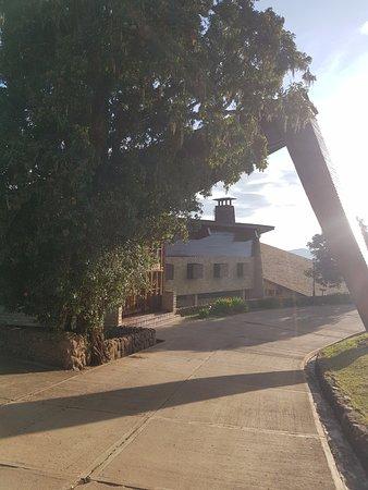Ngorongoro Wildlife Lodge: Entry