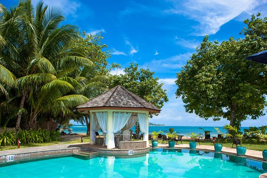 Castello Beach Hotel, Hotels in Praslin