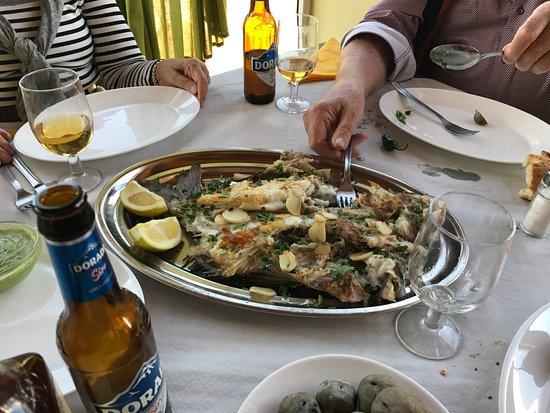 La Matanza de Acentejo, Spanyol: frischer gegrillter Fisch