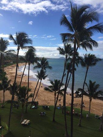 Mana Kai Maui: Keawakapu Beach from our balcony