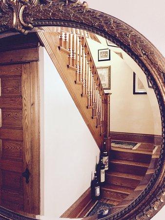 Northfield, MN: foyer / staircase detail