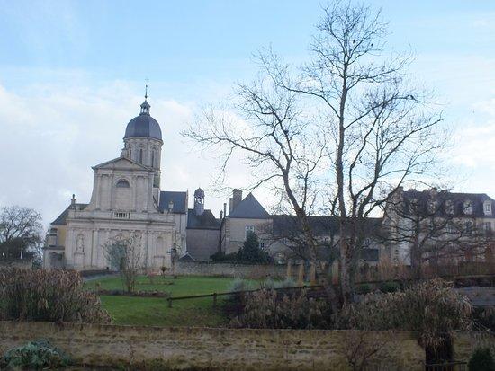 Juaye-Mondaye, Francia: autre vue des bâtiments