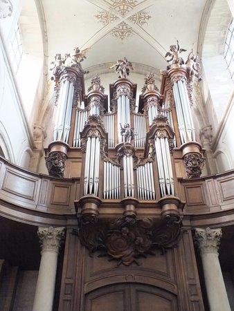 Juaye-Mondaye, France: l'orgue