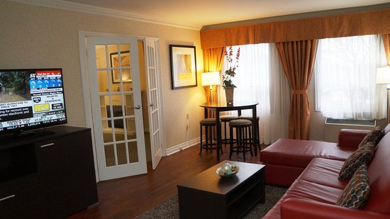 Quality Inn Airport West : Suite