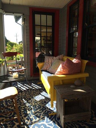 Beulah, MI: Front porch