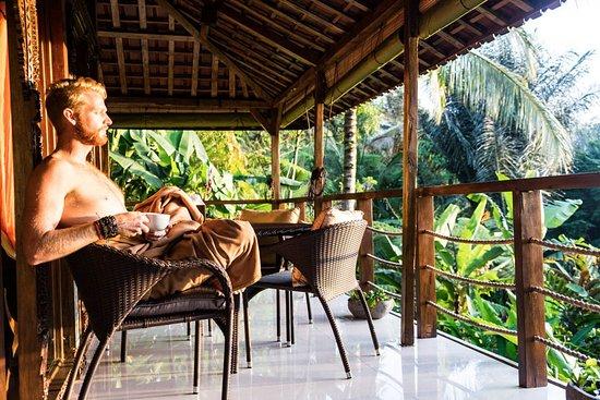 Selemadeg, Indonesia: Villa sat veranda