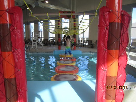 Hershey Lodge: Reeses water walk - super fun for all ages!