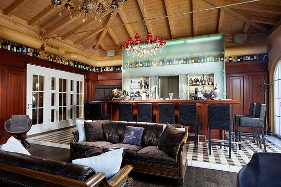 Alpen Wellness Hotel Barbarahof: Cocktailbar im Barbarahof - Kaprun