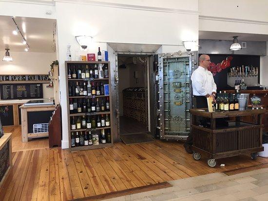 Marshall, VA: The Wine Vault