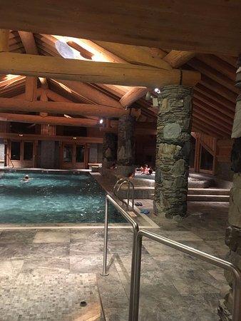 La Rosiere, Francia: à la piscine