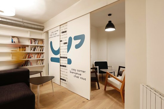 espace cosy cuisine - Picture of Cosy Corner Coworking Cafe, Paris ...