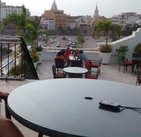 Hotel Monterrey: Vista a la Torre del Reloj desde la terraza del Hotel