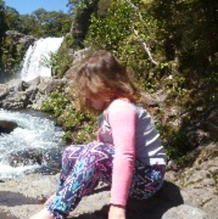 Turangi, New Zealand: Short trek to beautiful water falls in the Tongariro National Park