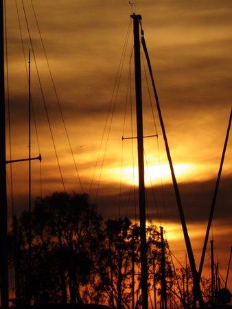 ดานาพอยต์, แคลิฟอร์เนีย: Sunset at Dana Point.
