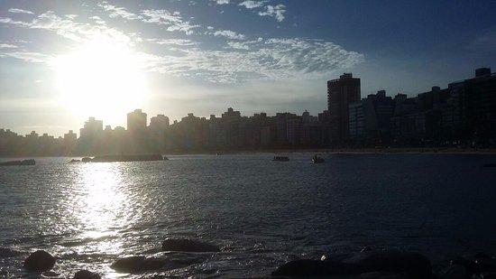 Praia da Sereia: Vista da pedra em direção a cidade
