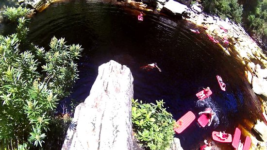 Untouched Adventures: Cliff jumping