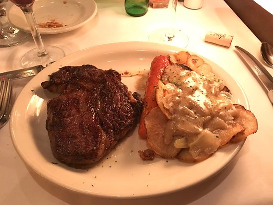 Bobs Steak And Chophouse Crab Cakes