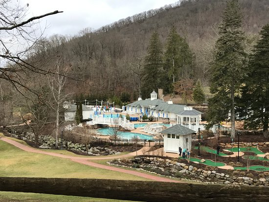 Hot Springs, VA: Outdoor pool with lazy river and slide (open seasonally)