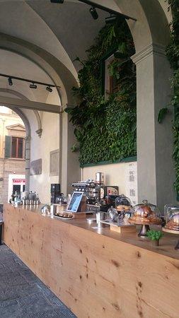 Pontedera, Italia: bar esterno