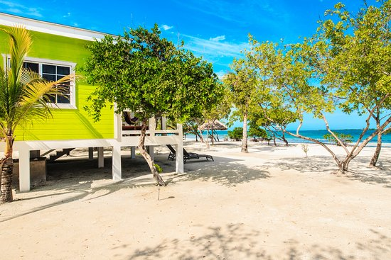 Coco Plum Cay, Belice: Views from an Oceanfront Suite Style Cabana