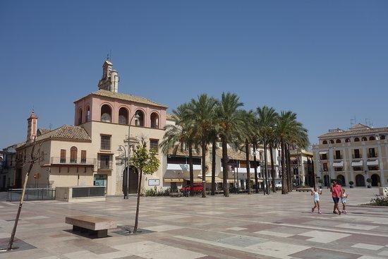 Plaza principal de Ecija, Vista al fondo Meson Casa Emili0