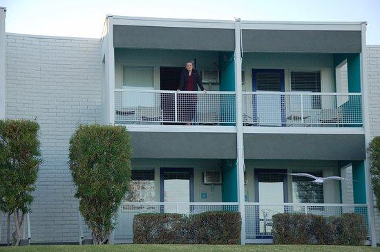 The Nautical Beachfront Resort: Balcony of a bayside room