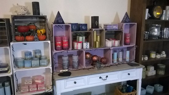 Dwyran, UK: Exclusive handmade candle gifts on sale