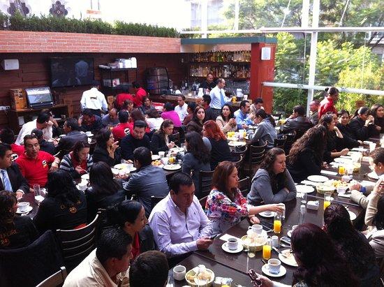 Asaderos Grill Reforma: La Terraza