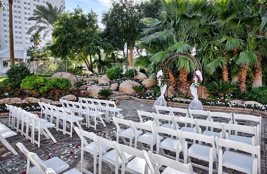 Courtyard Garden Weddings In Las Vegas Tropicana Lv