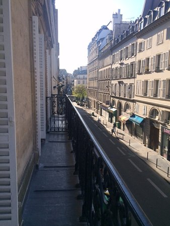 Le85 Paris: Balcony from Chambre Eugenie