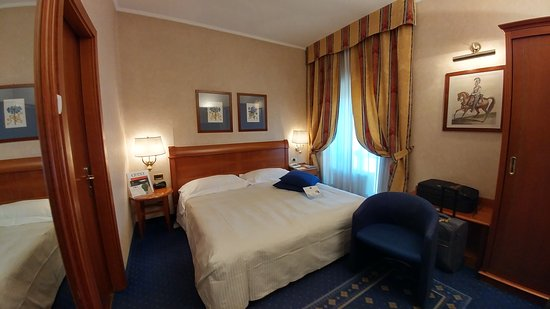 00a2452582683 BEST WESTERN PREMIER Cappello d Oro - Picture of Best Western Hotel ...