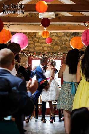 Trethurgy, UK: Wedding ceremony in the barn