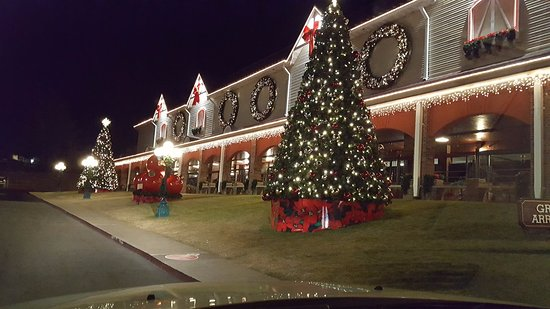 Christmas Time - Picture of Dolly Parton's Dixie Stampede Dinner ...