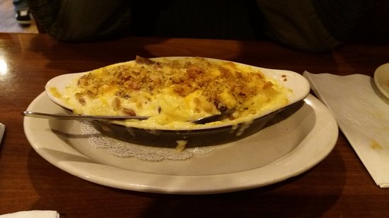 Granby, CT: CHB Mac & Cheese with cracker crumbs and bacon