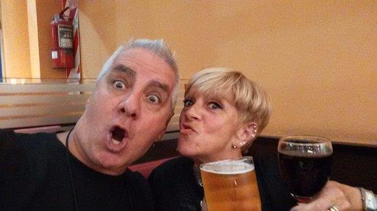 Lanus, Argentina: una buen cervecita con mi flaca
